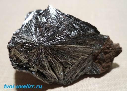 Манганит-камень-Свойства-добыча-и-применение-манганита-2