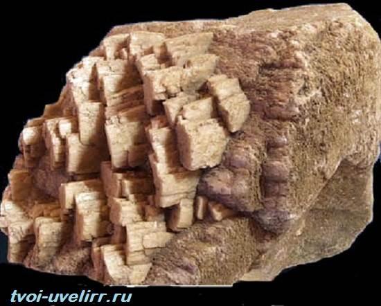 Плагиоклаз-минерал-Свойства-добыча-применение-и-цена-плагиоклаза-4