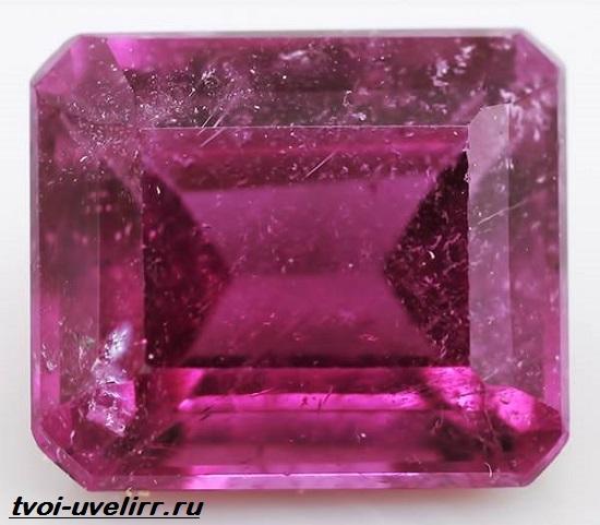 Фиолетовый-камень-Популярные-фиолетовые-камни-и-их-свойства-11