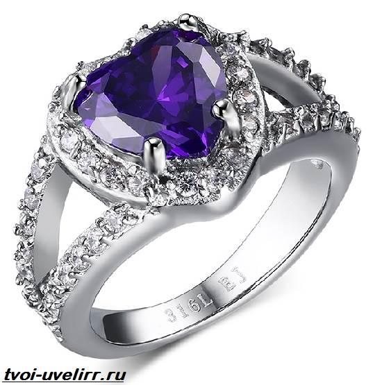 Фиолетовый-камень-Популярные-фиолетовые-камни-и-их-свойства-9