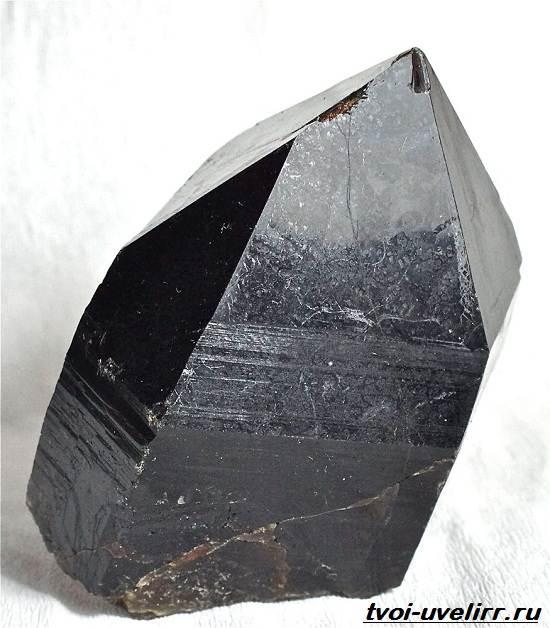 Морион-камень-Свойства-мориона-Применение-мориона-Цена-мориона-1