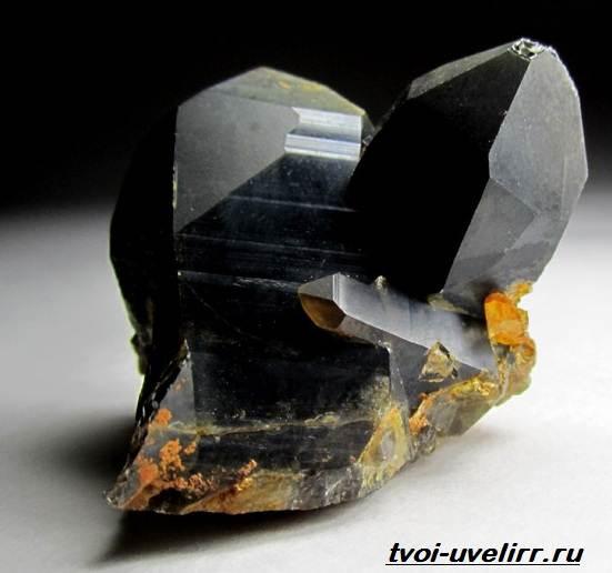 Морион-камень-Свойства-мориона-Применение-мориона-Цена-мориона-5