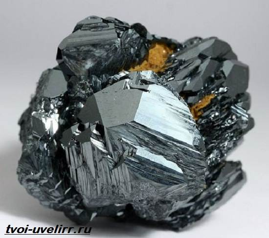 Что-такое-гематит-Свойства-добыча-применение-и-цена-гематита-5