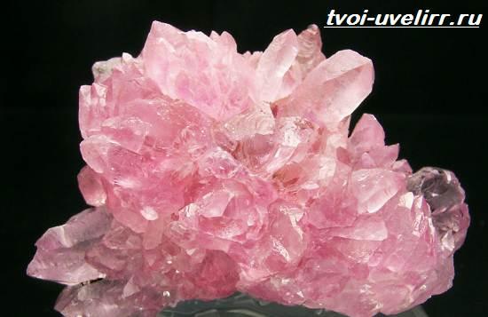 Что-такое-розовый-кварц-Свойства-добыча-применение-и-цена-розового-кварца-4
