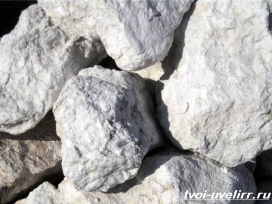 Что-такое-алебастр-Свойства-добыча-применение-и-цена-алебастра-4