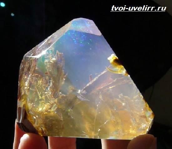 Эфиопский-опал-Свойства-добыча-применение-и-цена-эфиопского-опала-2