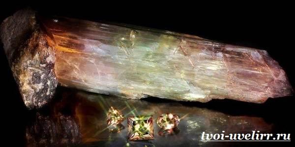 Султанит-камень-Описание-свойства-применение-и-цена-султанита-1