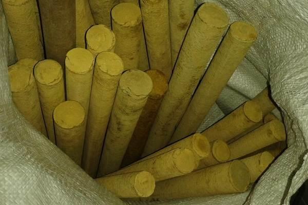 Что-такое-эбонит-Описание-характеристики-свойства-и-применение-материала-3