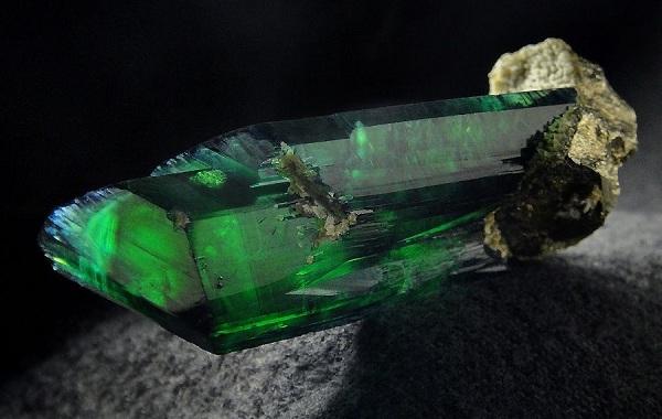 Вивианит-минерал-Описание-особенности-состав-и-применение-вивианита-10