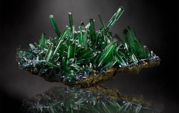 Вивианит-минерал-Описание-особенности-состав-и-применение-вивианита-2