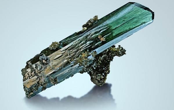 Вивианит-минерал-Описание-особенности-состав-и-применение-вивианита-3