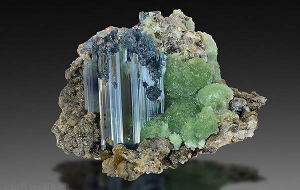 Вивианит-минерал-Описание-особенности-состав-и-применение-вивианита-5
