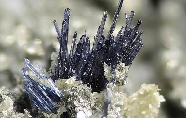 Вивианит-минерал-Описание-особенности-состав-и-применение-вивианита-6