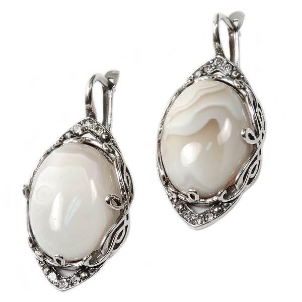 Виды-белых-драгоценных-камней-и-их-особенности-7